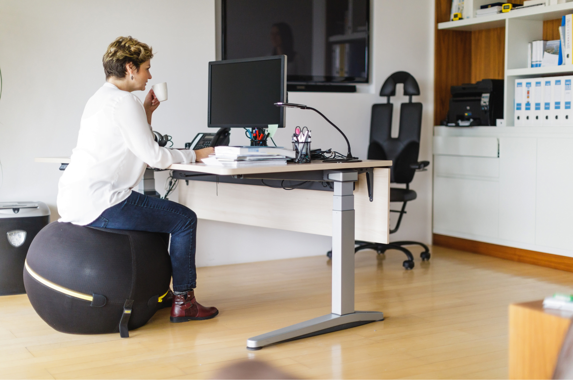 Do Stability Balls Make Good Ergonomic Office Chairs?