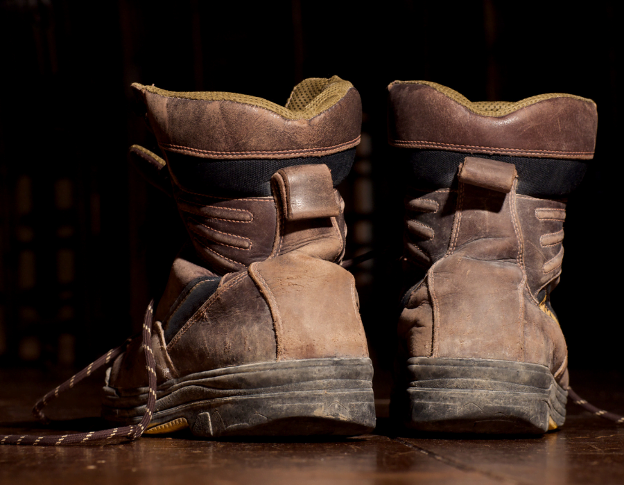 Is 8″ Better Than 6″ – A Work Boot Story